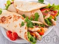 Рецепта Фахитас с пшеничени тортили, пилешко филе, авокадо и зеленчуци
